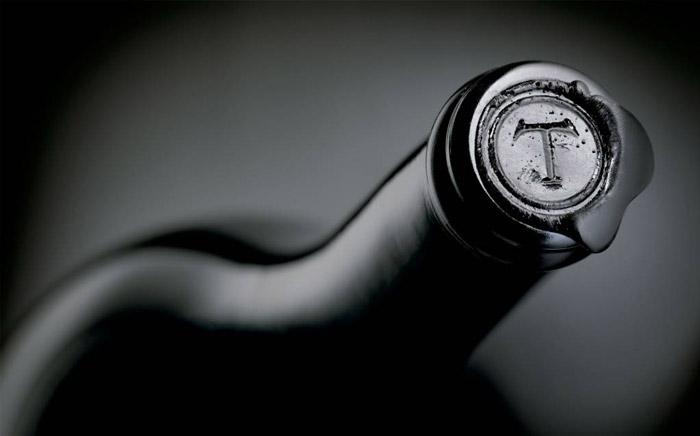Wine bottle seal design
